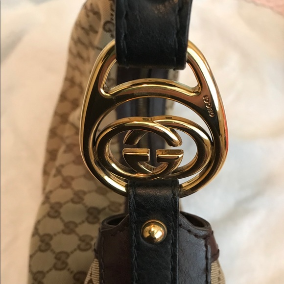 Gucci Handbags - Authentic Gucci Shoulder Bag !
